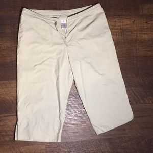 Freestyle Khaki Colored Capris Large